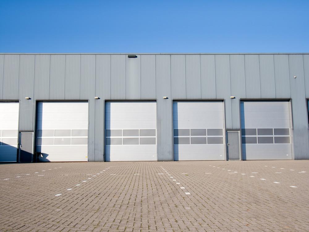 Transparent sectional doors india avians for Garage door installation fort worth